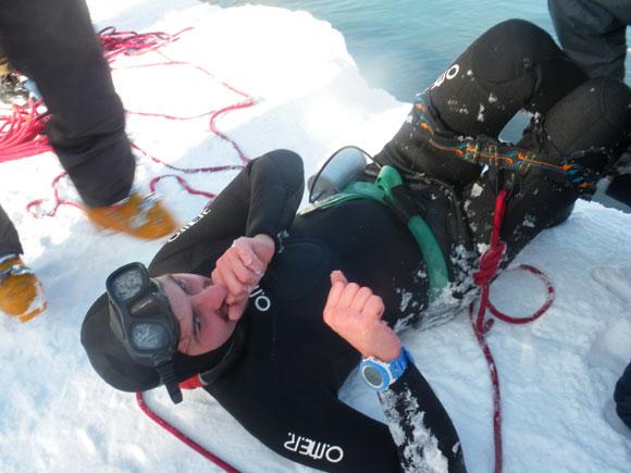 immersione apnea sotto il ghiaccio