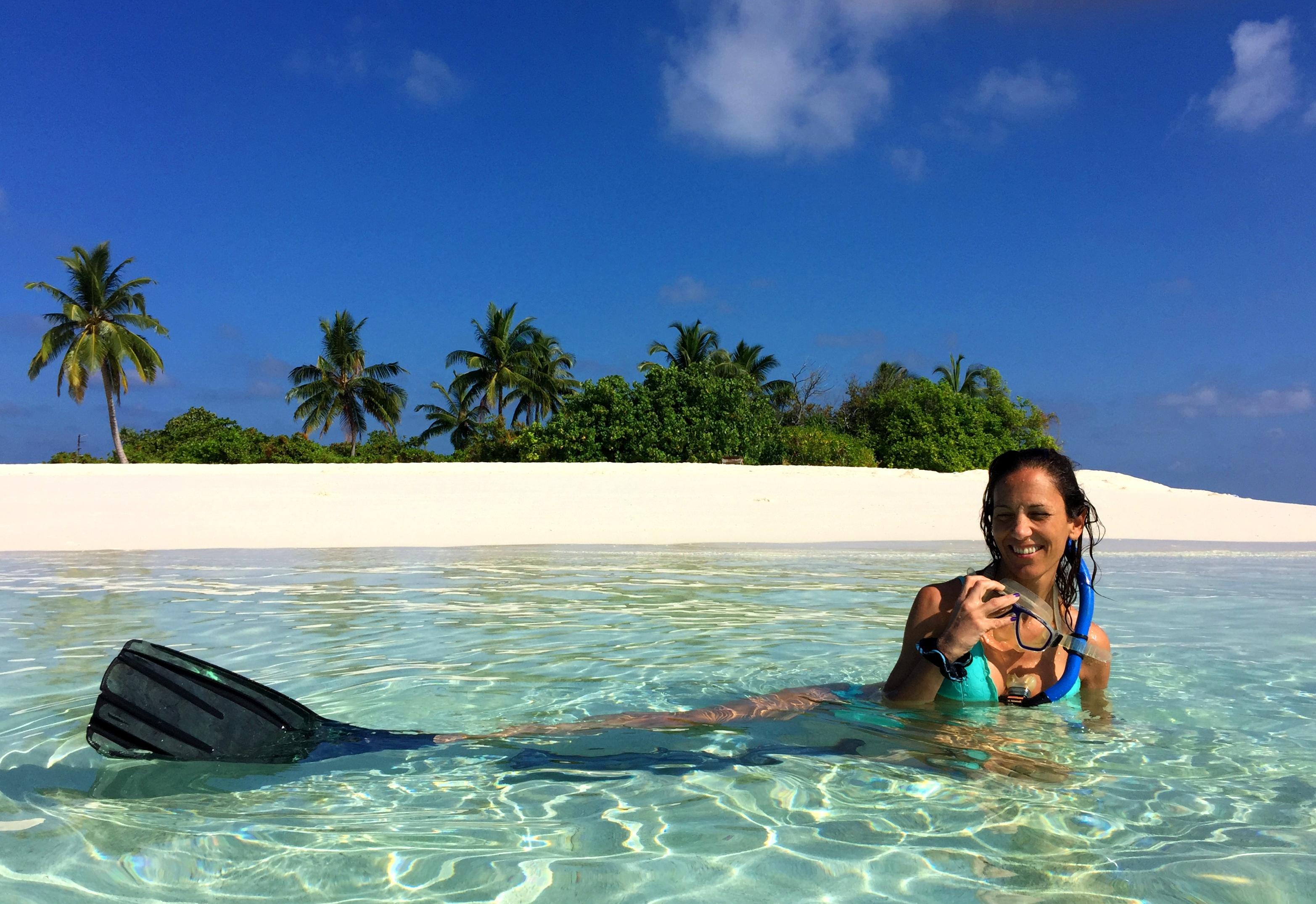 Donatella Moica, di ritorno dallo snorkeling sul reef maldiviano