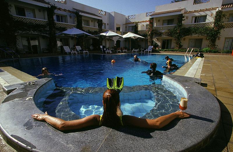 Camel-Pool-jacquzzi