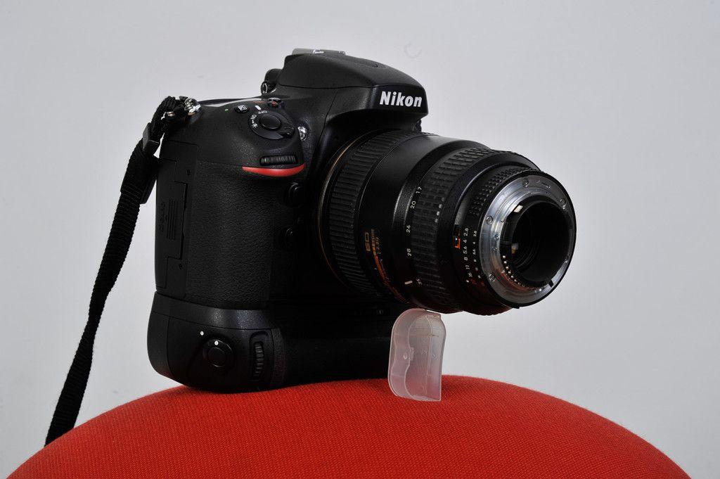 Nikon D800 con 17-35 montato in modo inverso