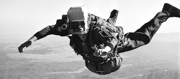 Bob Sinclair in azione durante un lancio