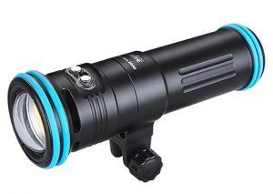 potente illuminatore e versatile flash