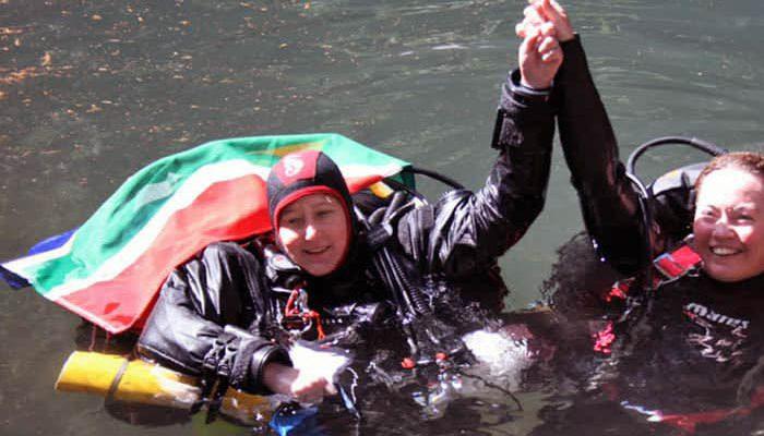 Karen van den Oever record di immersione profonda femminile in grotta